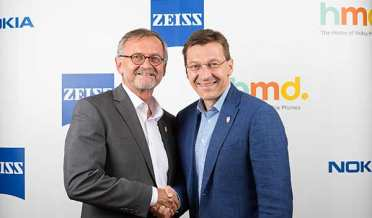 nokia and ZEISS officials