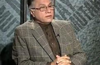 Hassan Nisar copied other column