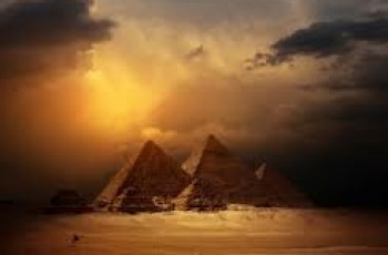 pyramids of egypt in dubai