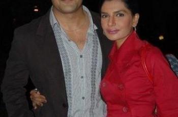Iffat Umar with husband