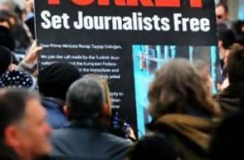 protest for journalists in turkey