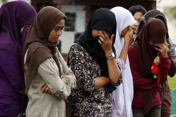 sumatra muslim personals ஜ۩۞۩ஜ artists: jeram, nona siti-vocals pho cut nyak dhin girls' chorus-choir album:muslim music of aceh and west sumatra year: 19.