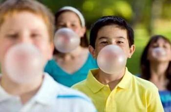 children Chewing bubble gums