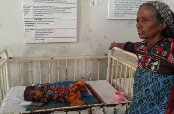 woman and children in hospital-in-thar