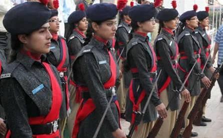 Women from pakistan - 1 8