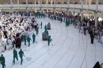 washing kaaba