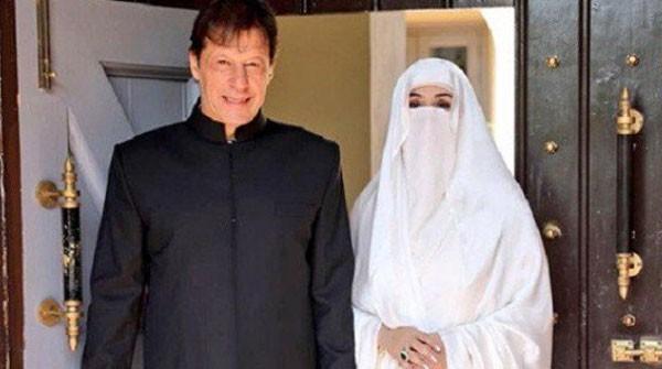 bushra bibi with her husband imran khan
