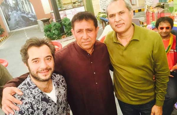 kashif mehmood with other actors