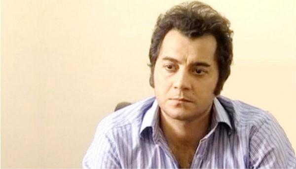 Actor kashif mehmood posing