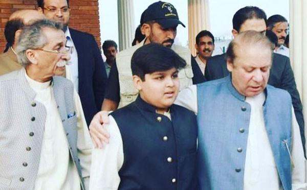 rana iqbal and his son with nawaz sharif