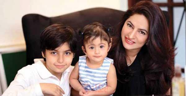 sadaf-khan-son-daughter