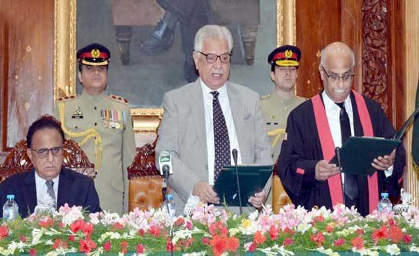 Justice-Waqar-Ahmed-Seth-oath